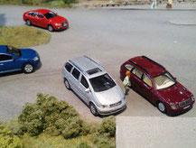 Fahrzeuge und Material für die Gartenbahn