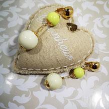 Clips d'oreille dorés vert pistache Aux Dames de Jadis