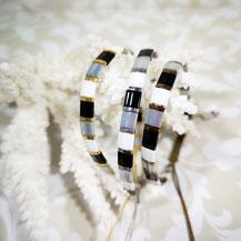 Bracelet perles tila plaqué or/camaïeu gris de Aux-Dames-de-Jadis
