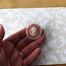 Camée cyriane rose avec perles