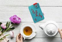 Handyetui aus Wollfilz, Motiv Blütenranke