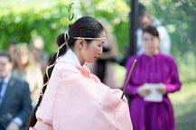 儀式中の西澤形一師