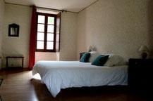 De kamer Coquelicot met een tweepersoonsbed (160 x 200)