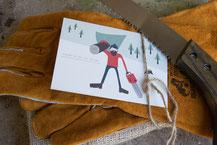 Holzhandschuhe und Säge für Männer
