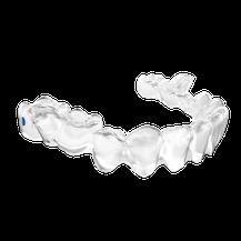 Die durchsichtige Zahnspange für Erwachsene ist sehr zart und fast unsichtbar