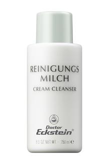 REINIGUNGSMILCH ist eine milde, hautschonende Reinigungs- Emulsion für alle Hauttypen. Sie gewährleistet eine effektive Reinigung, ohne den schützenden Sebumfilm und den pH Schutzmantel der Haut zu stören.