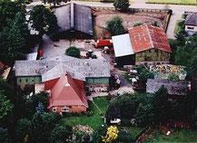 Luftaufnahme des Hofes