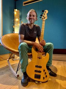 Johann Richert, Bass, E-Gitarre bei Coming Home TV