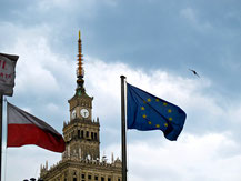 die polnische und europäische Fahne