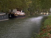 les peniches du canal du midi, patrimoine unesco, office du tourisme de beziers