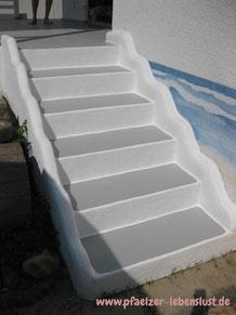 Treppe griechisch Fliesen überzogen unsichtbar