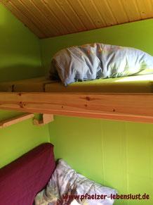 Kinderhaus 2-stöckig Speicher Schlafplatz innen ausgebaut isolieren warm