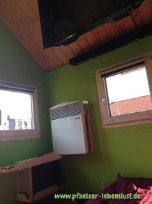Kinderhaus isolieren innen Ausbau Heizung Fernseher TV Soundbar Holzhaus