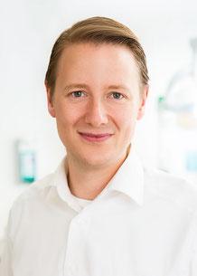 Dr. Jan Michaelis Zahnarzt Arzt Große Bergtraße Altona
