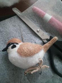 羊毛フェルト スズメの作り方