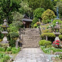 妙法山の春の庭