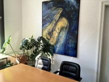 rechtsanwalt Dr. Holger Bentert Besprechungstermine gesprächstermine Beratung Besprechungstisch Bild mit Saxophon