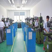 精密金型製造 研磨 研削盤 超硬 ダイス硬 中国