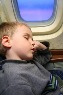 Fliegen nach Thailand - mit Kindern