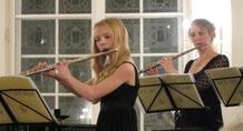 """Junge Musiker, wie Pauline Mau, erhielten """"Rückendeckung"""" von Profis wie Susanne Maaß. Gemeinsam gestalteten sie ein tolles Konzert. Foto: Beate Kindt-Matuschek"""