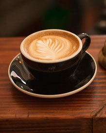 Bild: Kaffeetrinken nach der Trauerfeier und Rede bei der Nachfeier