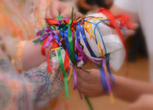 Hochzeitsritual - Handfasting ein altes keltisches Ritual um zwei Menschen zu verbinden
