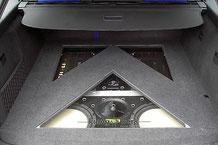 Kofferraum vom Audi A4 mit Alliante Subwoofern und Hifonics Endstufen