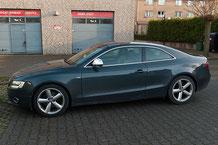 Audi A5 Aussenansicht mit Alpine style Navigationsnachrüstung