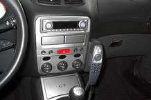 Pioneer 1-DIN-Navigationssystem im Alfa GT