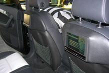 Audi a3 mit Monitorkonsolen an den Sitzen