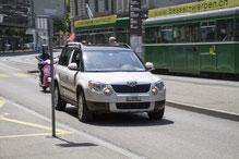 Im Auto unterwegs Mobile Zahn Medizin Basel