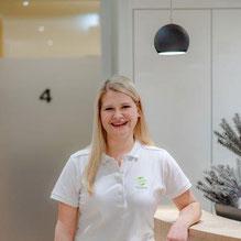 Nadine Miesbauer, Büroangestellte.