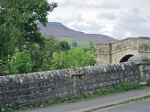 Bridge over the Arkle Beck approaching Reeth