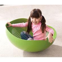 Bol géant de couleur verte pour jeux d'équilibre enfants. Bol vert d'équilibre et coordination enfants.