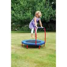 Apprendre à sauter sur un trampoline grâce à la barre de soutien matelassée.Trampoline facile équilibre pour jouer avec les enfants. Trampoline facile à utiliser pour l'équilibre pour enfants. Charge maximum 25 kg. Matériel de qualité à acheter pas cher.