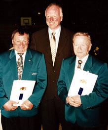 1996: Bernhard Heinzler und Hans Vetter erhalten die Landesehrennadel