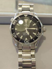 時計の機械部分など、内装部品の修理・オーバーホールは弊社で可能です。