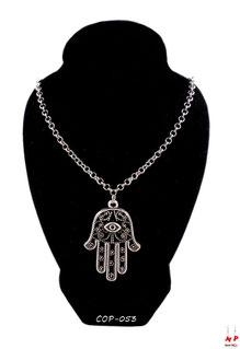 Collier chaine argentée et pendentif main de Fatma argentée