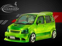 カスタムペイント車、キャンディーライムグリーンフレーク塗装されたスズキワゴンRの写真