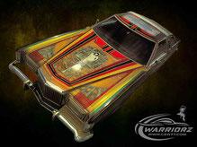 カスタムペイント、キャンディーフレーク塗装のオレンジにソウルペイントしてボンネットにミューラルをいれた1988年フォードサンダーバードのボンネットの写真