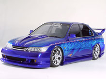 カスタムペイント車、キャンディーコバルトブルーフレーク塗装にグラフィックス塗装をいれたホンダアコードセダンの写真