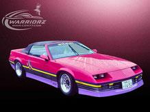 カスタムペイント車、キャンディーピンク塗装にグラフィックスペイントされたアメ車1988年カマロコンバーチブル