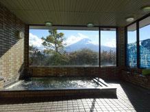 從大浴場可觀望富士山景