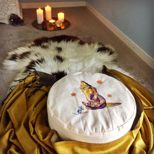 Meditationskissen handbemalt