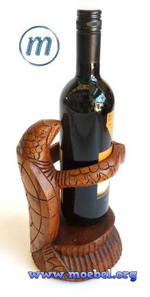 Schildkröte aus Holz als Weinhalter