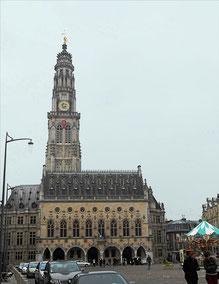 L'Hôtel de ville d'Arras et le beffroi / Photo LA