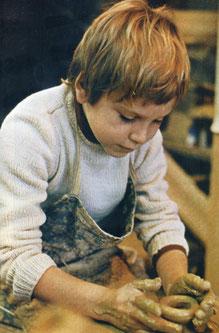 フレネ学校の粘土制作(フランス)