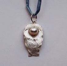 Schmuckanhänger Schutzengel aus Silber mit Perle