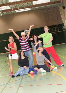 Auf dem Foto das Orga-Team v.l.n.r.: Hintere Reihe: Maike Klün, Karla Lauterbach, Sylvia Bokelmann, Daniel Schipper. Unten: Anne Thonicke (1. Vorsitzende) und Petra Pupkes
