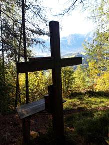 Radingberg / Radingstein Gipfelkreuz bei Windischgarsten, Ausblick auf Warscheneck, die Haller Mauern  und das Sengsengebirge